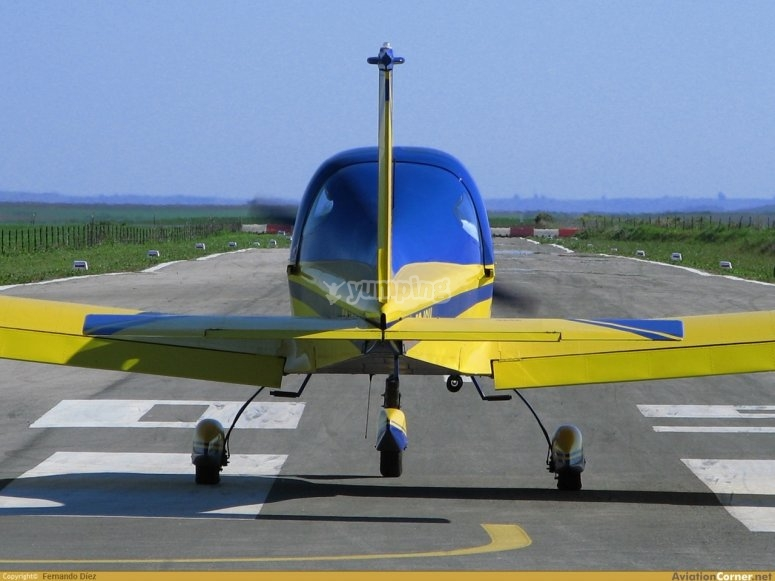 两人轻型飞机
