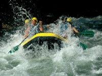 Dentro de la balsa de rafting