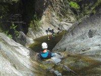 Toboganes naturales en la roca
