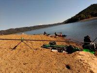 Pesca en el embalse