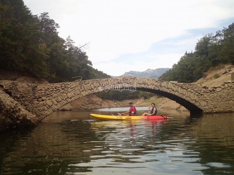 Visita della palude Baells in canoa