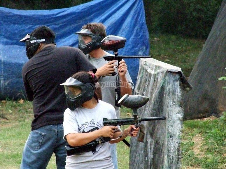 彩弹射击活动将使您与您的朋友一起享受