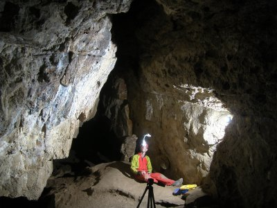 Caving initiation in Cueva del Aire 2 hours