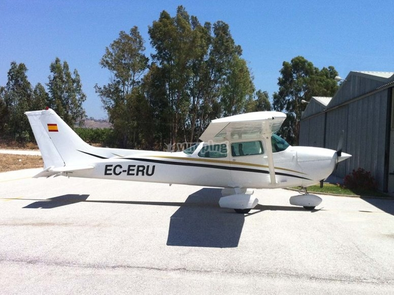 Aircraft for rent that we will use for the experience
