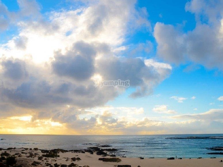 La playa de El Cotillo es uno de los puntos del recorrido