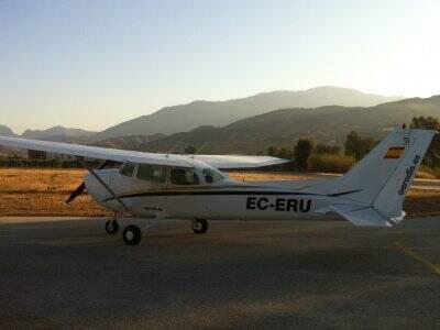 从比利亚鲁比亚(Villarrubia)出发的飞机飞行1小时