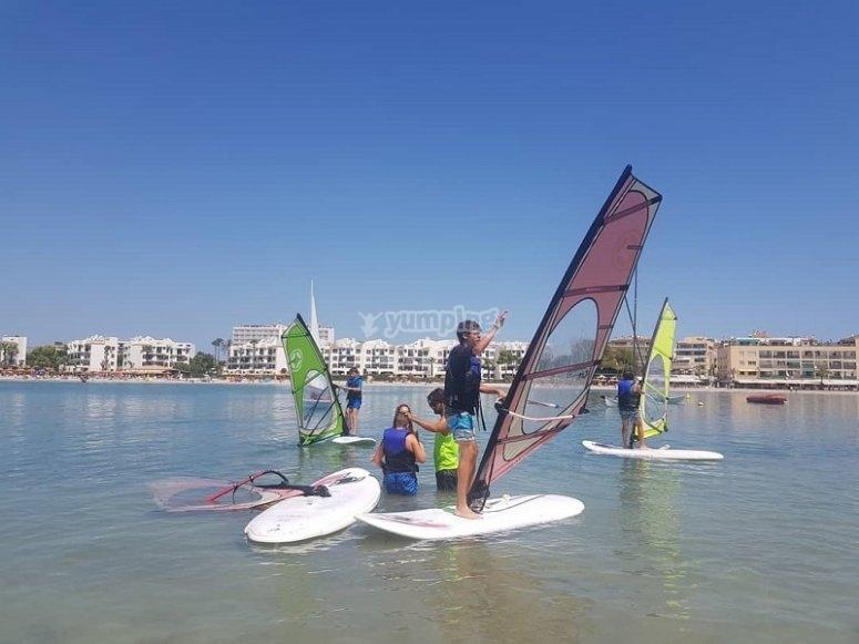 Todos los días tendrás tiempo libre para continuar realizando windsurf