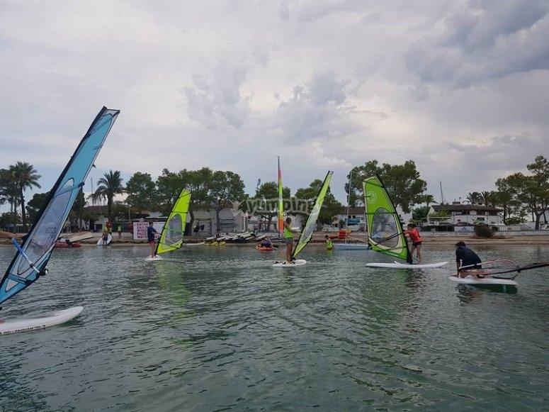 Grupos pequeños de windsurf