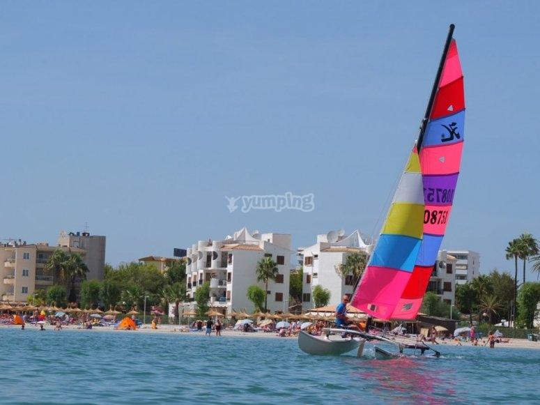 A bordo del catamarán en Mallorca