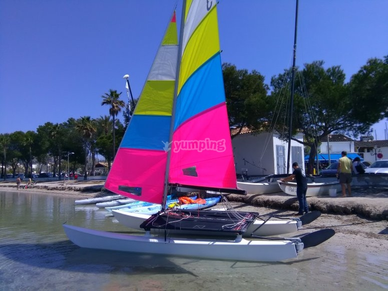 Preparando el catamarán