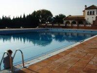 Swimming pool where to take courses