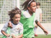 儿童进行体育活动