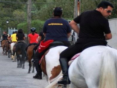 Horse riding through Verdugo river valley 1 hour