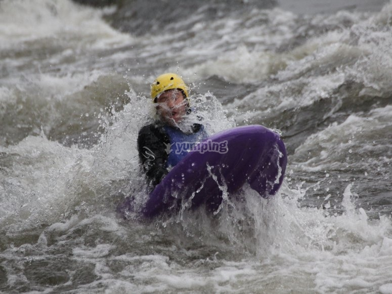 Descent of rapids with hydrospeed