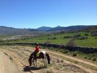 在盘算瓜达拉玛骑马