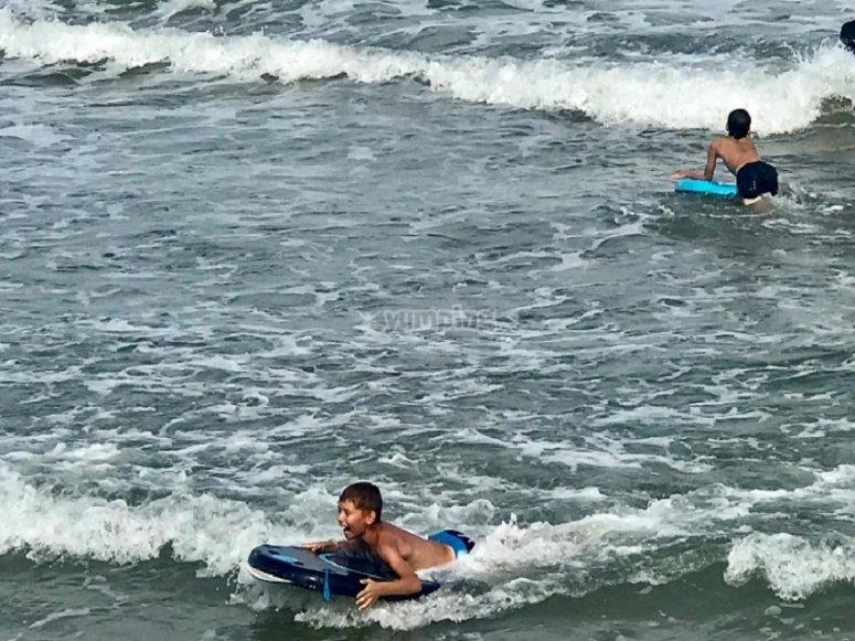 Realizando deportes en el agua