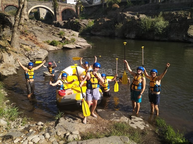 Rafting experience on the Sil River