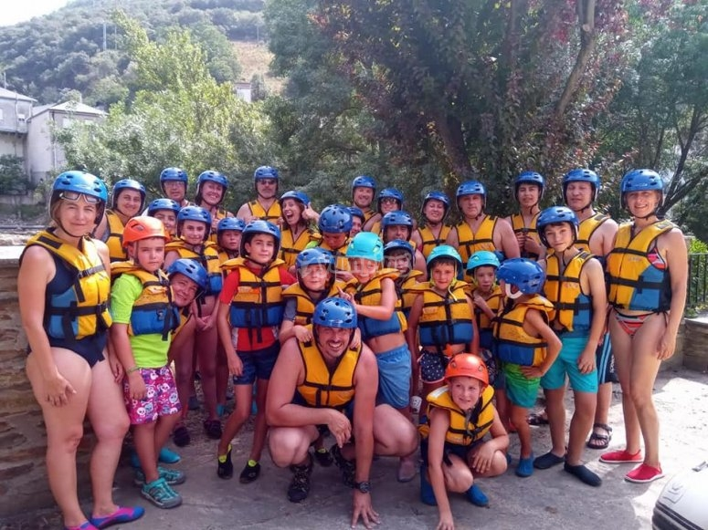 Rafting for family groups