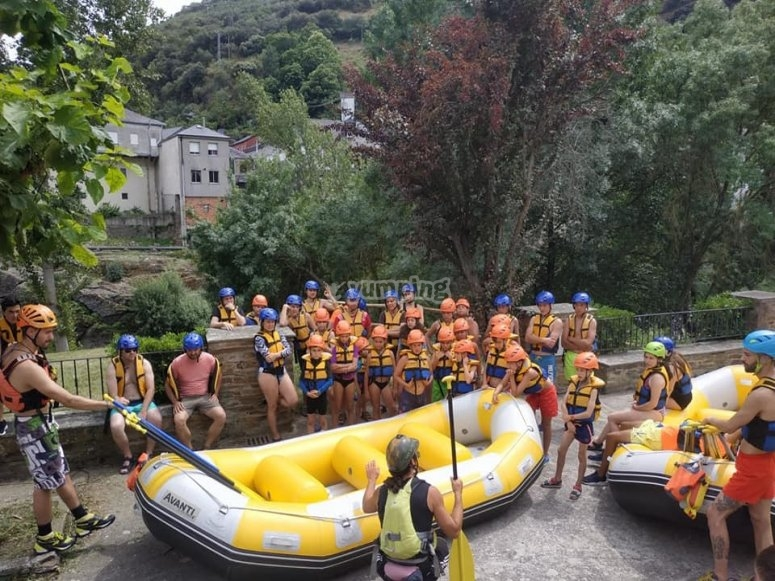 Rafting descent on the Sil river family