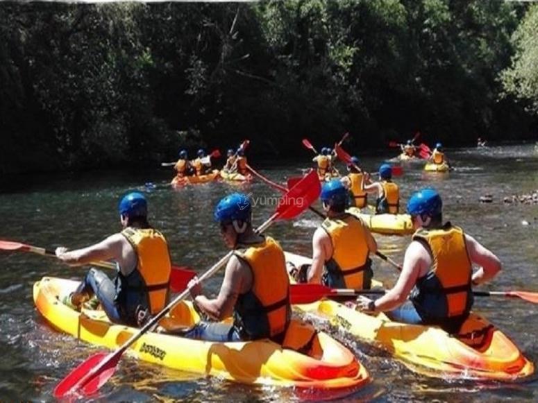 La squadra in canoa