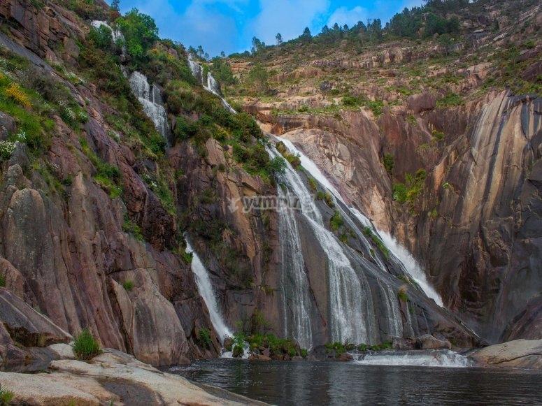 Visita la cascada de Ézaro