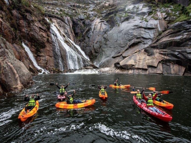 Ruta en kayak por Ézaro