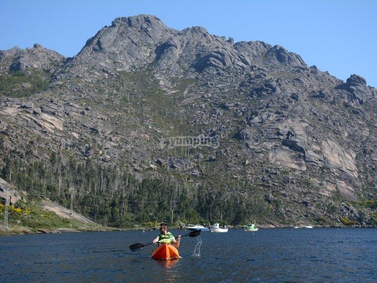 Excursión marítima en kayak