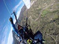 Volo in parapendio in montagna e video HD Madrid