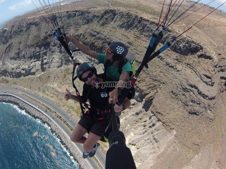 情侣滑翔伞体验