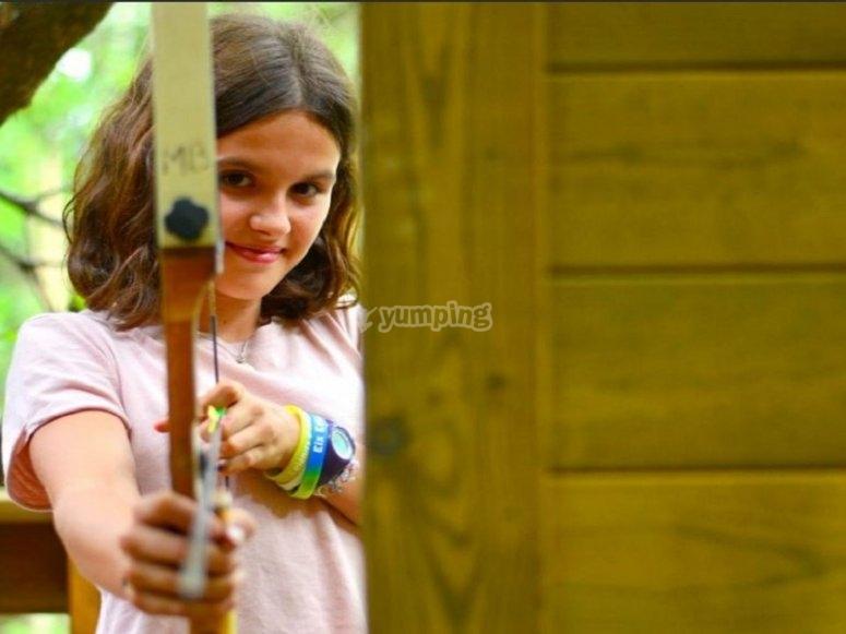 Jugando al tiro con arco