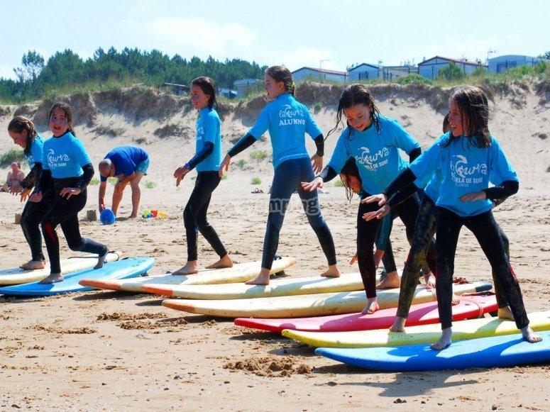 Curso de surf de 8 días en Leredo