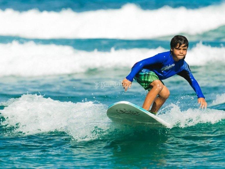 Camp surf para niños en Leredo