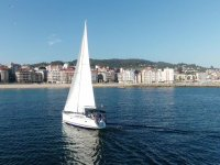 Giro in barca a vela lungo l'estuario di Pontevedra 4 ore