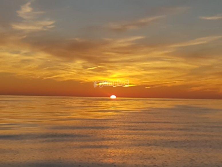 帆船的日落