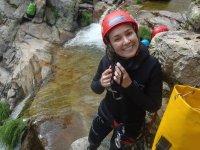 Practicar descenso de barrancos cerca de Madrid