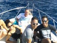 Relajados en la cubierta en Tenerife