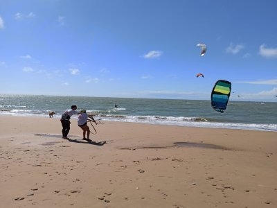 Sanlucar de Barrameda的风筝冲浪课程7h