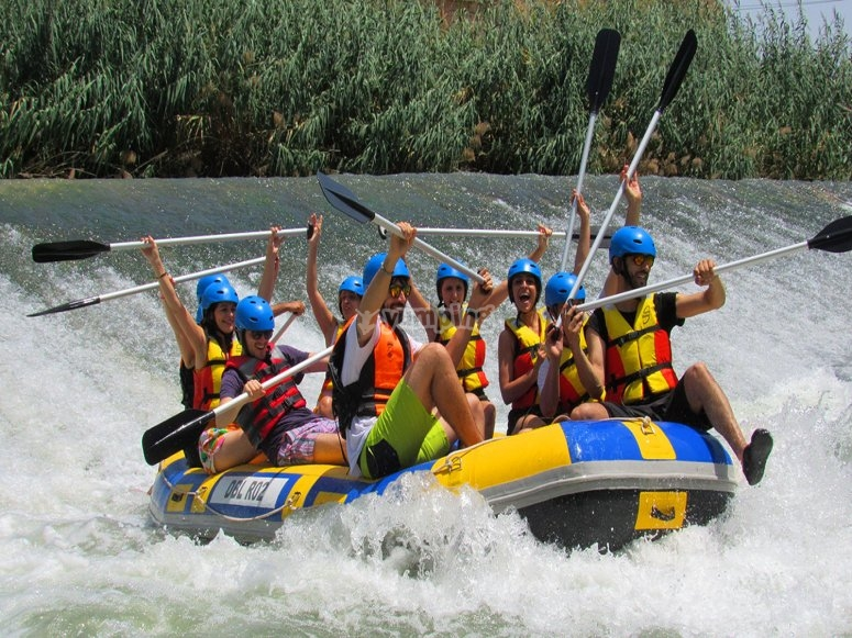 Rafting descent for children in Cieza
