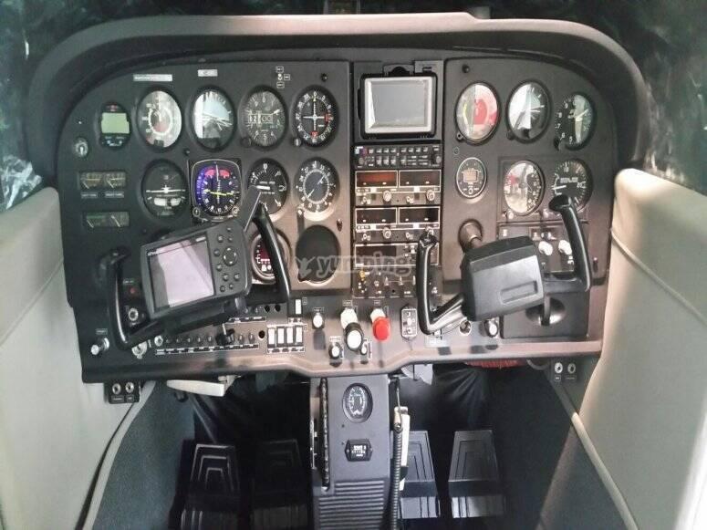 飞机控制板