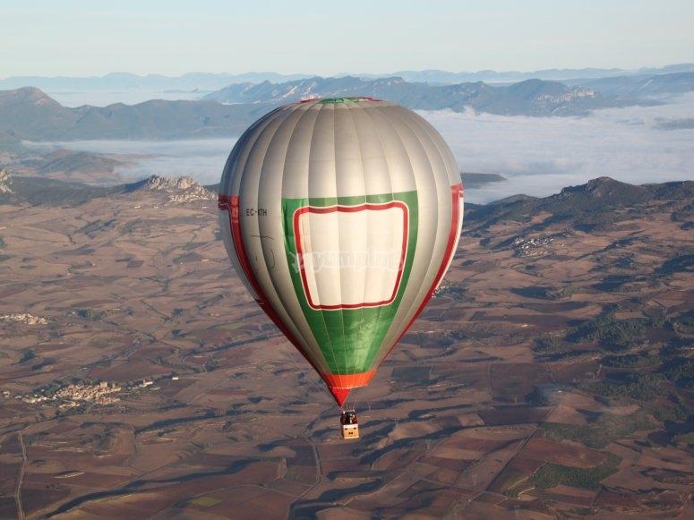 Volo in mongolfiera Paesaggi di Alava
