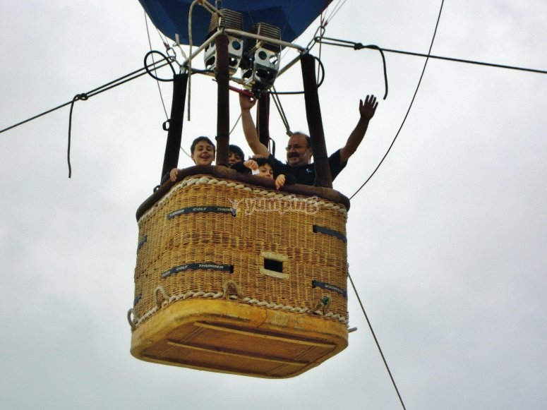 Salida en globo aerostático por Álava