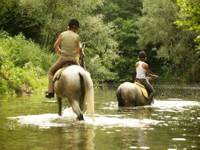 从Pla deMartís骑马2小时