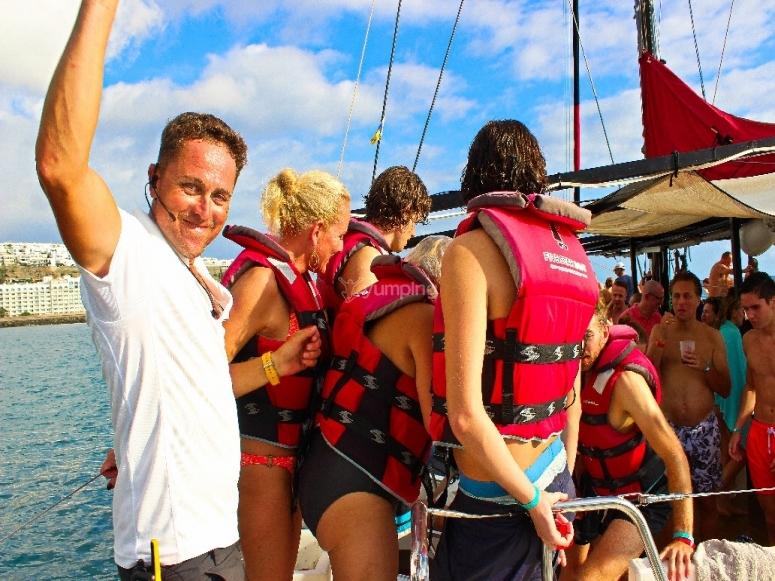 Actividades acuáticas en el barco