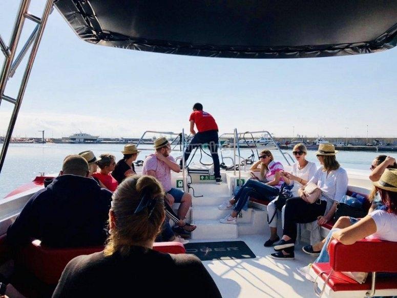 船员欣赏风景