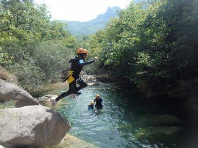 瓦尔登巴斯的家庭峡谷探险