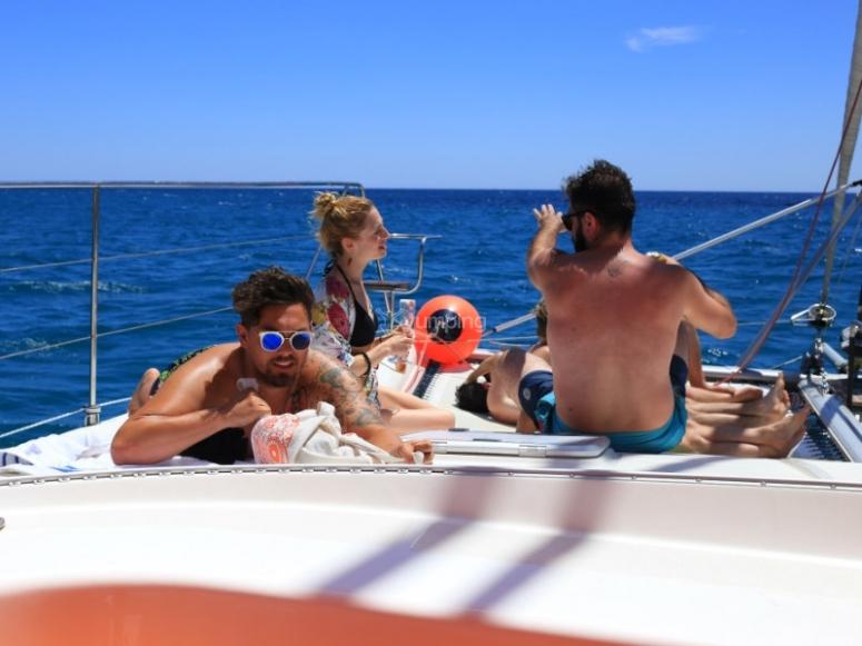 家庭双体船游览