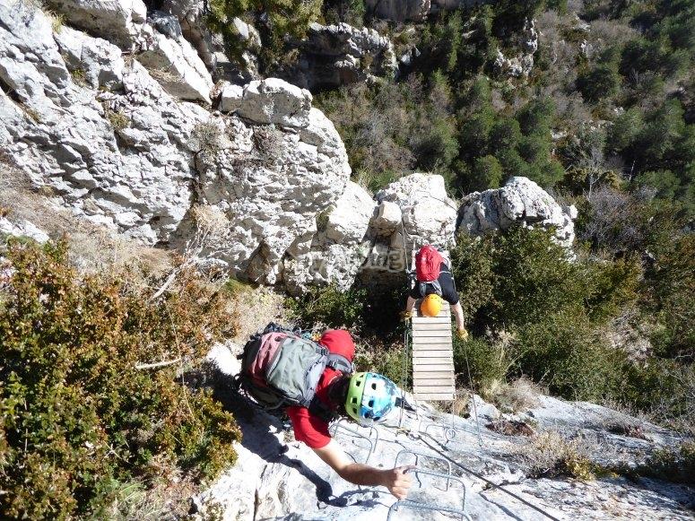 Paso por puente en Roques d'Empalomar