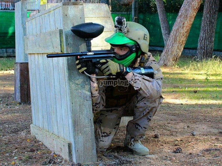 萨卢儿童彩弹射击游戏