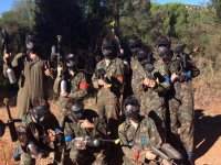 Jugadores de paintball con mascaras