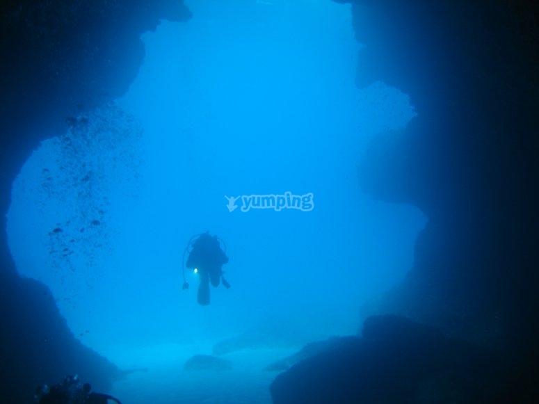 在Formentera潜水